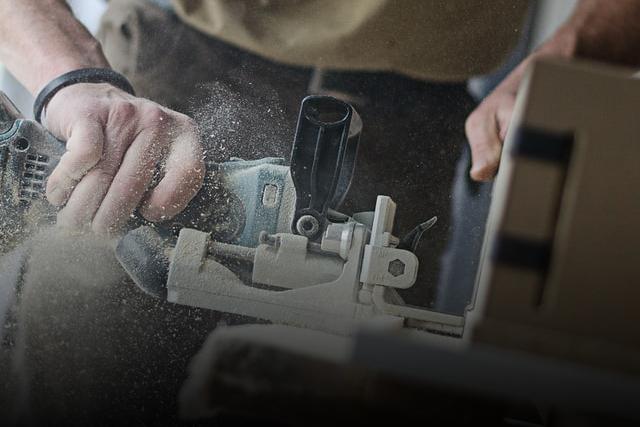 Schleifmaschine mit Staubaufwirbelung